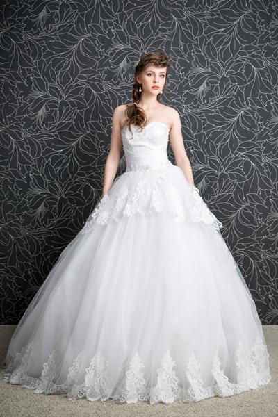 Braut im Prinzessinnen Brautkleid
