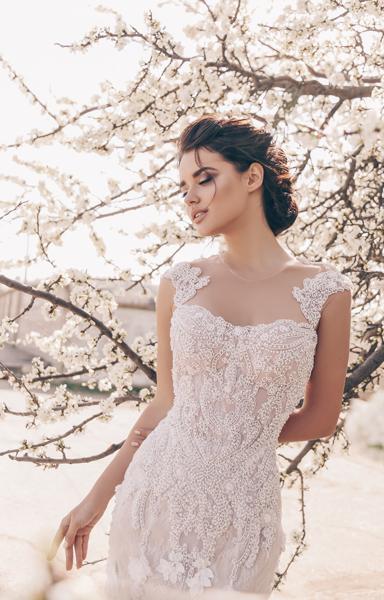 Braut in wunderschönen Vintage Standesamtkleid